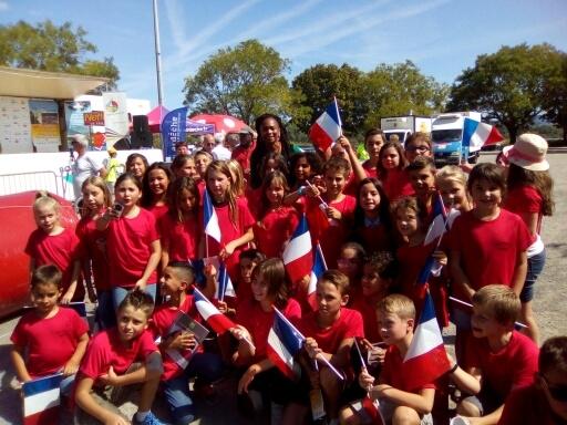 Mme Flessel, ministre des sports rencontre les élèves de l'école Louis Royer du Pouzin