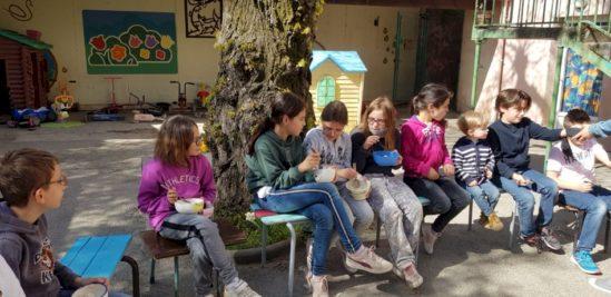 Bol de riz à l'école Saint Régis de LABEGUDE